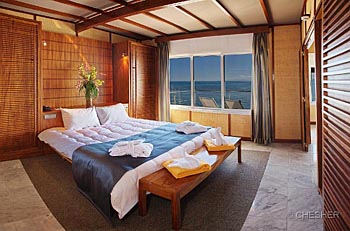 Overwater Bungalow bedroom