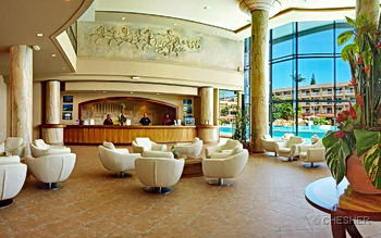 The lobby of Le Nouvata Park Hotel